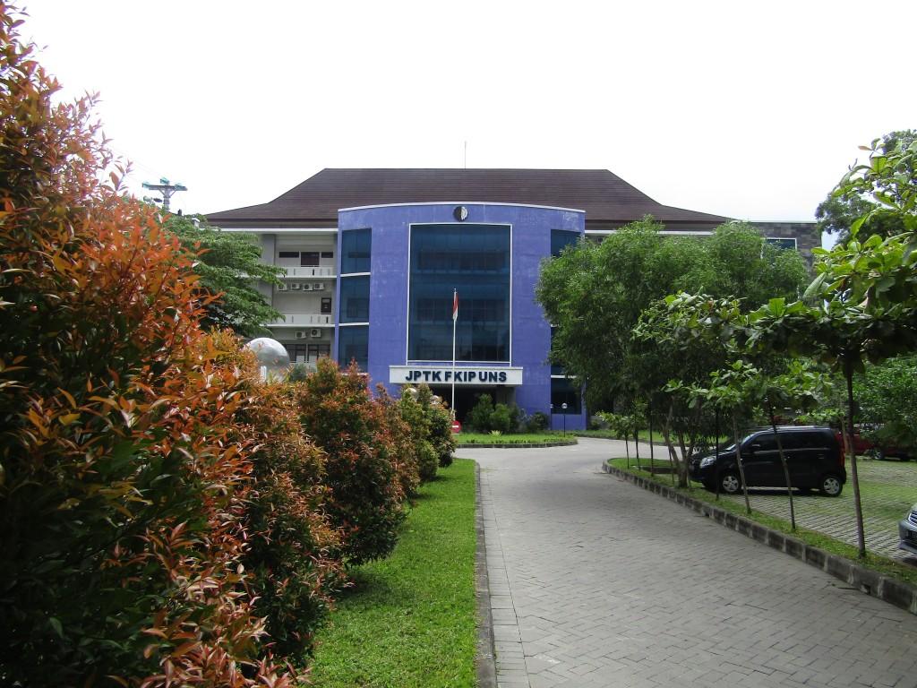 Gedung A Kampus V UNS